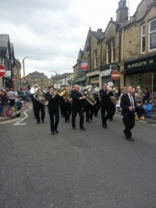 Skelmanthorpe Band march down Bethel Street